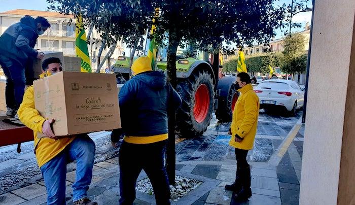 Coldiretti, i pacchi della solidarietà arrivano in Alta Irpinia