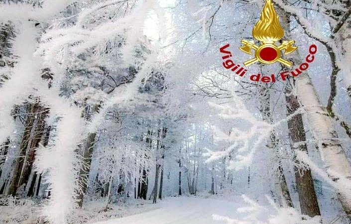 Neve in Irpinia, automobilisti bloccati sul Laceno