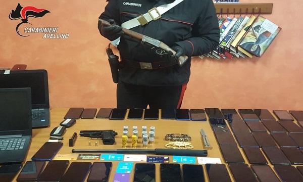 Armi clandestine, carte e cellulari: un arresto e tre denunce ad Atripalda