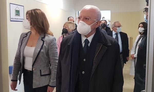 De Luca apre il Centro autismo a Sant'Angelo: 'E' il secondo in Campania'