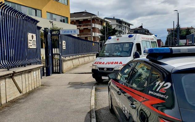 Avellino, uccide la moglie e chiama i Carabinieri