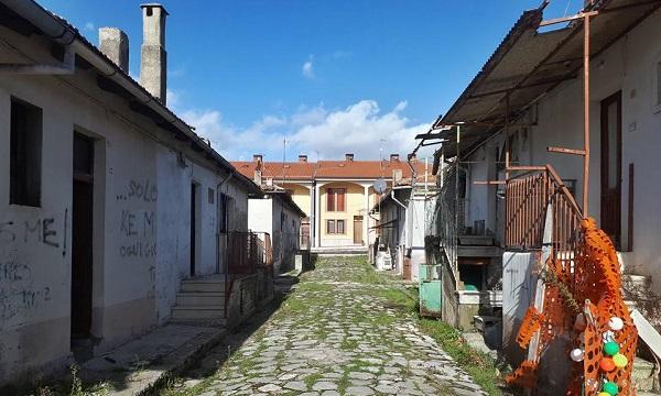 Casette di Aquilonia, il comitato: 'Il sindaco rispetti gli impegni'