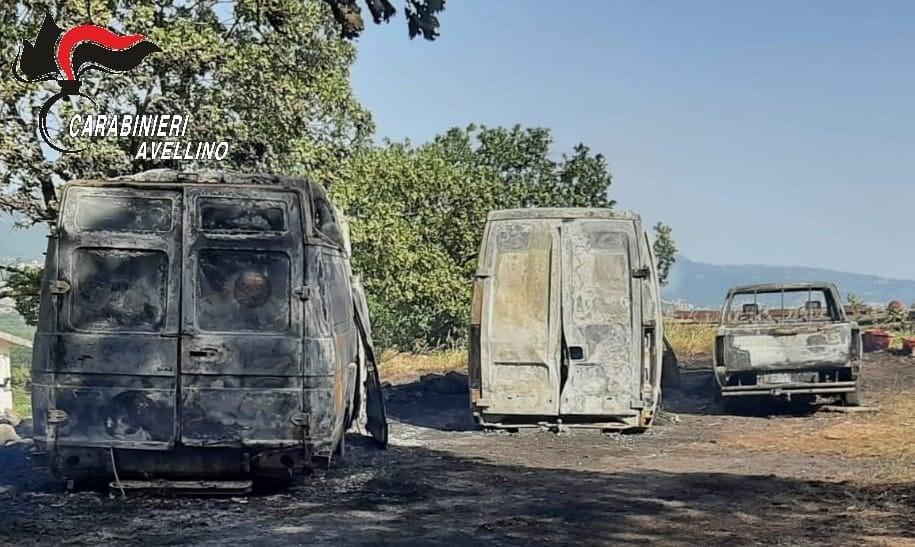 Furgoni in fiamme a Bagnoli Irpino, indagano i carabinieri