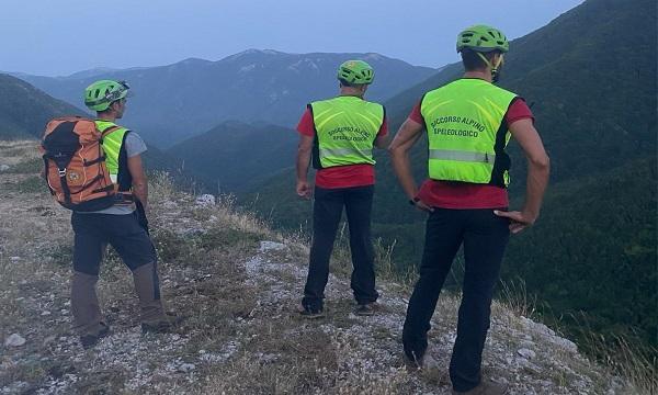 Perdono il sentiero tra Montella e Serino: salvati dal soccorso alpino
