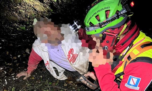 Monteforte: anziano scivola in un canale tra i monti, salvato