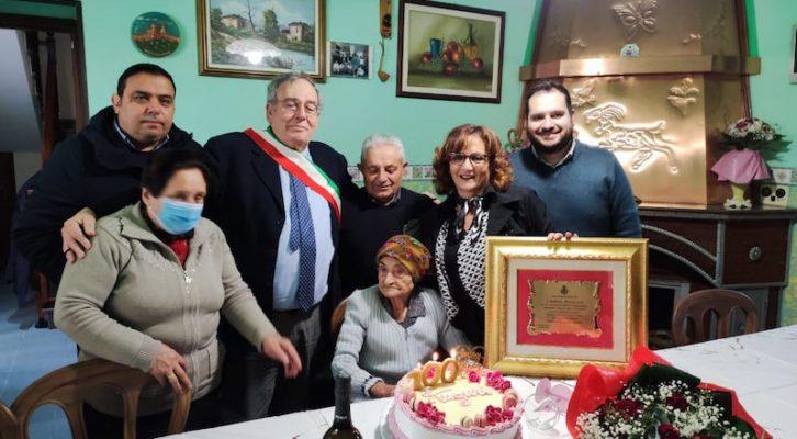 Morra De Sanctis, 100 anni per nonna Maria Lucia
