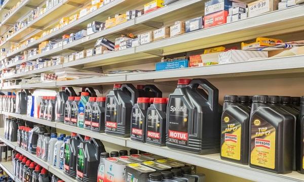 Lioni, ruba batterie a un autoricambi: si indaga sul business del piombo